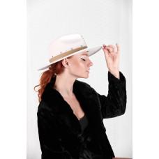 SCARLET HAT